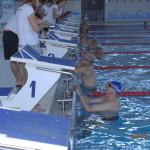 start wyścigu na pływalni