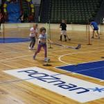 Świątecznie i sportowo (2) Dzieci rywalizują