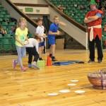 Świątecznie i sportowo (5) Dzieci rywalizują