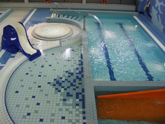 Pływalnia Atlantis - brodzik ze zjeżdżalnią