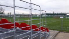 Stadion przy Harcerskiej - trybuny i boisko