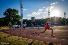 Stadion Golęcin - biegacze na wirażu