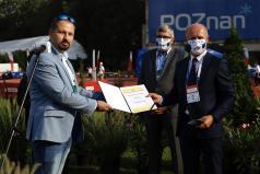 Prezydent Bartosz Guss odbiera nominację organizacji 97 PZLA  Mistrzostw Polski