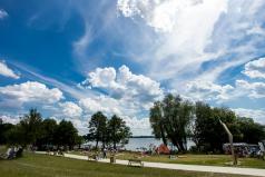plaża nad jeziorem Kierskim (fot. Adam Ciereszko)