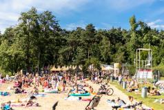 plaża nad jeziorem Strzeszynskim (fot. Adam Ciereszko)