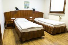 Wnętrze - sypialnia, dwa łóżka