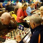 Zapisy na spartakiadę (1) Seniorzy grają w warcaby