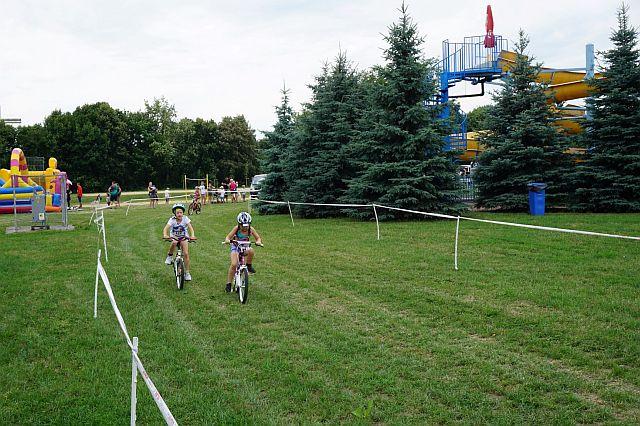 Junior Poznań Triathlon (3) Ujęcie z wyścigu rowerowego