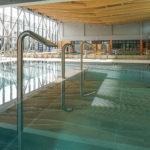Pływalnia kryta Rataje (3) Basen rekreacyjny - urządzenia do hydromasażu