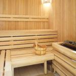 Pływalnia kryta Rataje (9) Sauna z drewnianym wyposażeniem