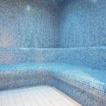 Pływalnia kryta Rataje (10) Sauna mokra z niebieską terakotą